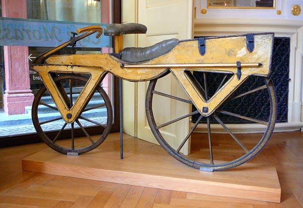 a primera bicicleta registrada
